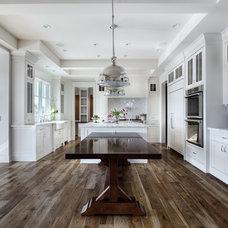 Traditional Kitchen by Veranda Estate Homes & Interiors