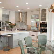 contemporary kitchen by Greifenstein Boyce Associates