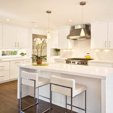 modern kitchen by S.M. CONTRACTING INC
