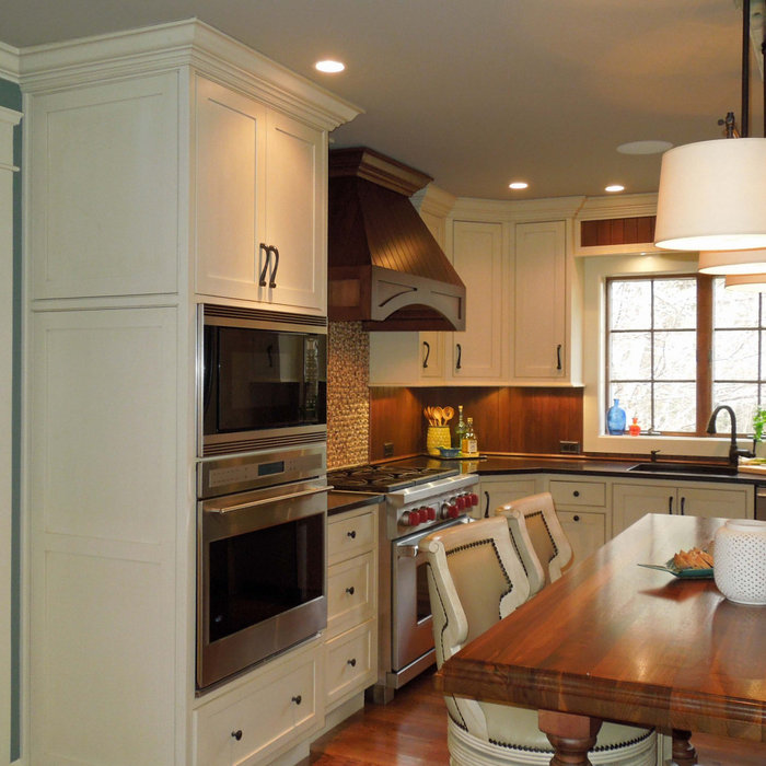 At-Home Chef's Delight, a Classic Kitchen Remodel