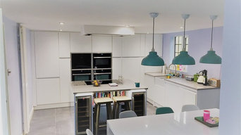 Welford painted gloss J handle kitchen, Harrold Bedfordshire