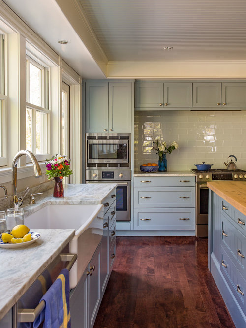 Farmhouse Kitchen With Blue Cabinets Design Ideas