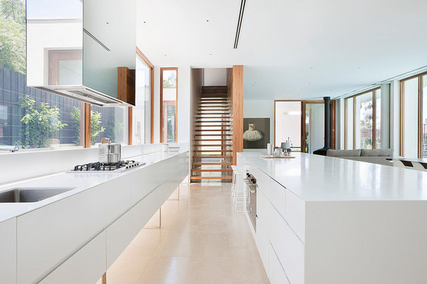 Modern Kitchen by Rob Mills Architecture & Interiors