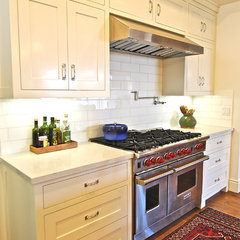 eclectic kitchen by Wendy Resin Interiors