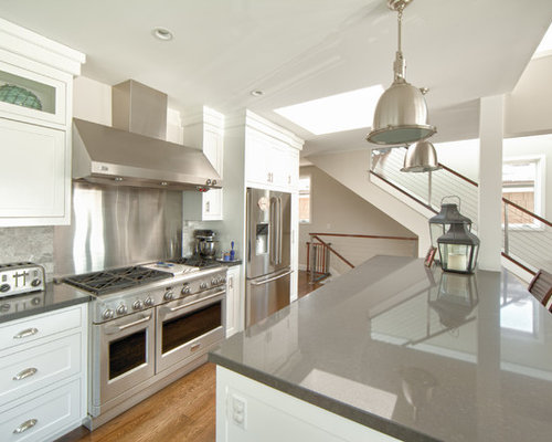 Kitchen Backsplash With Stainless Steel Appliances