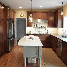Craftsman Kitchen by Pine Street Carpenters & The Kitchen Studio