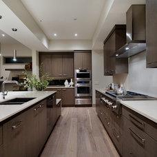 Modern Kitchen by Capstone Custom Homes