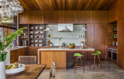 New This Week: 3 Knockout Kitchens With Natural Wood Cabinets