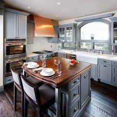 Traditional Kitchen by Lanthia Hogg Designs