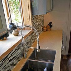 Modern Kitchen by CRAFT Design-Build