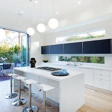 Modern Kitchen by BAM Design Lab