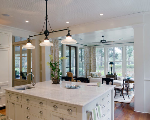 kitchen with keeping room home design ideas renovations photos. Black Bedroom Furniture Sets. Home Design Ideas