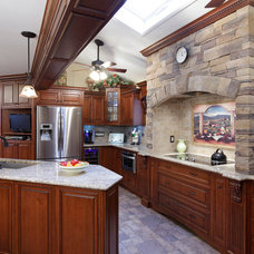 Traditional Kitchen by Elegant Woodworking Inc.