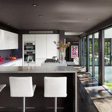 Contemporary Kitchen by Specht Harpman Architects