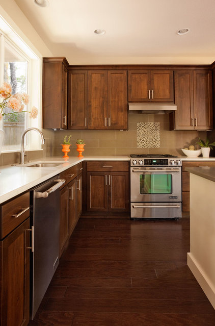 Contemporary Kitchen by DreamBuilder Custom Homes