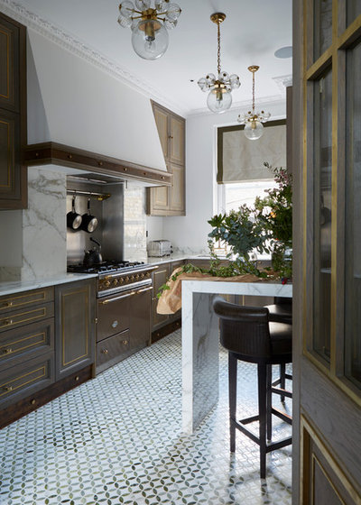 Traditional Kitchen by Interior Desires UK