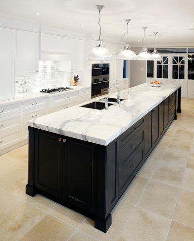 Классический Кухня by Art of Kitchens Pty Ltd