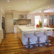 Modern Kitchen by The Kitchen Broker