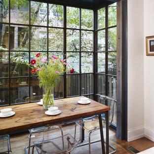 Moderne Wohnküche mit Marmor-Arbeitsplatte in Philadelphia
