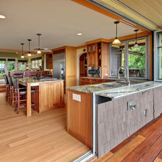 Craftsman Kitchen by Sortun-Vos Architects, P.S.