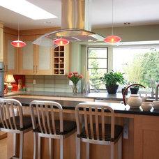 Contemporary Kitchen by Chris Davis Design Architecture & Interiors