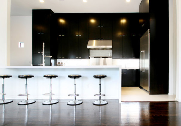 Contemporary Kitchen by Marie Flanigan Interiors