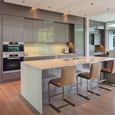 Contemporary Kitchen by Boda Construction Ltd.