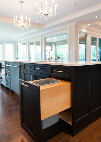 Transitional Kitchen by SGDI - Sarah Gallop Design Inc.