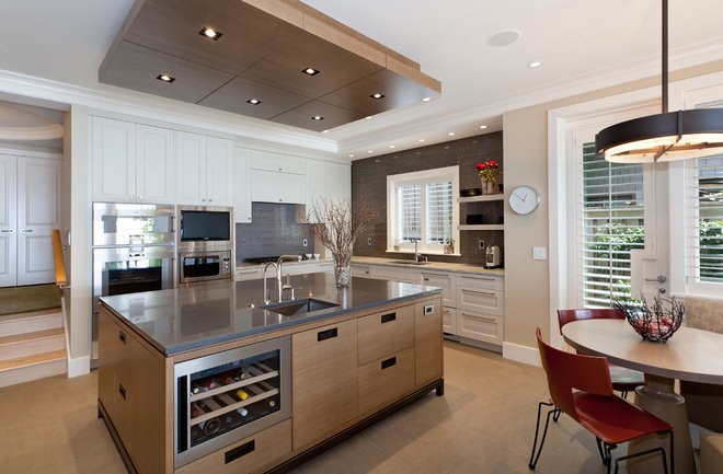 Contemporary Kitchen by John McSkimming Construction Ltd