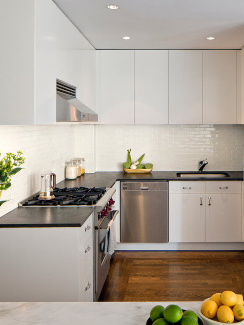 White kitchen backsplash houzz for Kitchen backsplash images on houzz