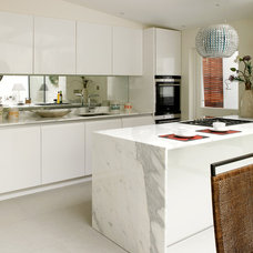 Contemporary Kitchen by Lex McMillan Architects Ltd