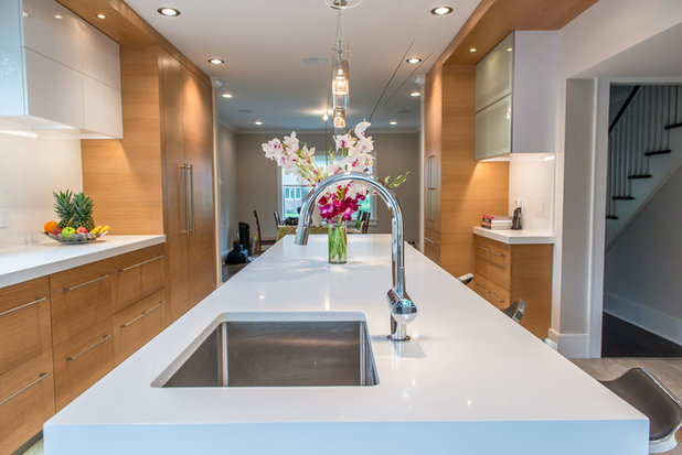 Contemporary Kitchen by TOP DRAWER | Luxury Home Builder