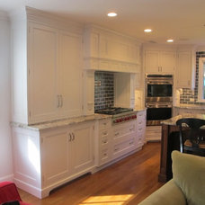Traditional Kitchen by Appelson Woodworks Inc