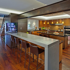 Contemporary Kitchen by mark lind, sun+stone design