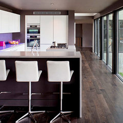 modern kitchen by Specht Harpman