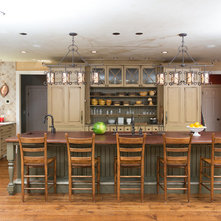 Traditional Kitchen by Miller + Miller Architectural Photography