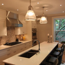 Contemporary Kitchen by Wow Great Place