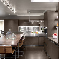 Modern Kitchen by Ruhl Walker Architects