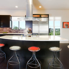 Contemporary Kitchen by Allison Jaffe Interior Design LLC
