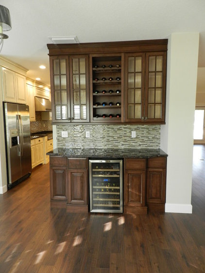 Traditional Kitchen by Jacobs Custom Cabinets LLC.