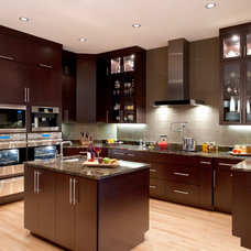 Contemporary Kitchen by Veranda Homes