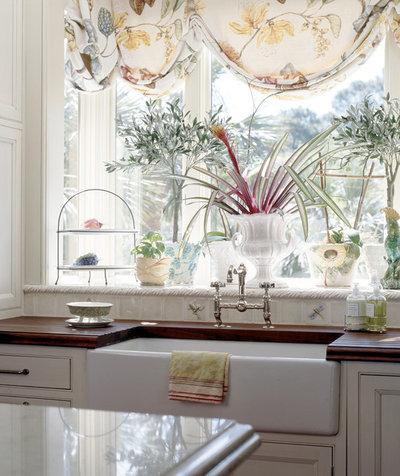 Классический Кухня by Frederick + Frederick Architects