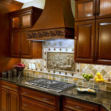 Traditional Kitchen by Virginia Maid Kitchens