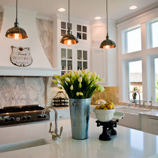 Beach Style Kitchen by Kristi Spouse Interiors