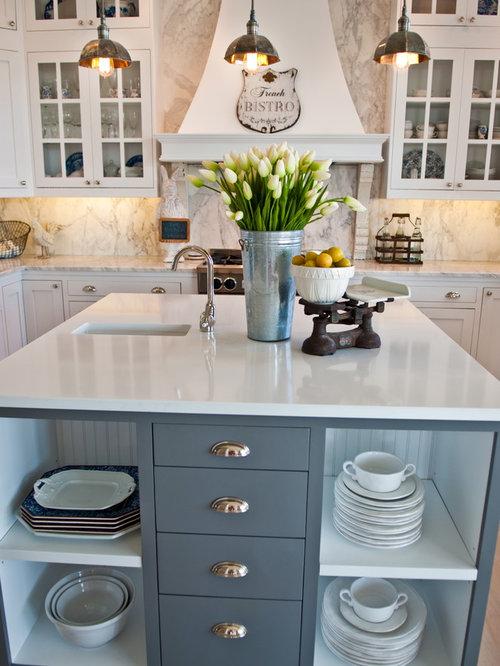 cuisine bord de mer avec une cr dence en marbre photos et id es d co de cuisines. Black Bedroom Furniture Sets. Home Design Ideas