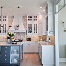 Beach Style Kitchen by Kristi Spouse Interiors