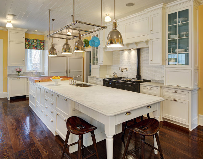 Traditional Kitchen by W Design Interiors
