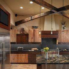Mediterranean Kitchen by Tate Studio Architects