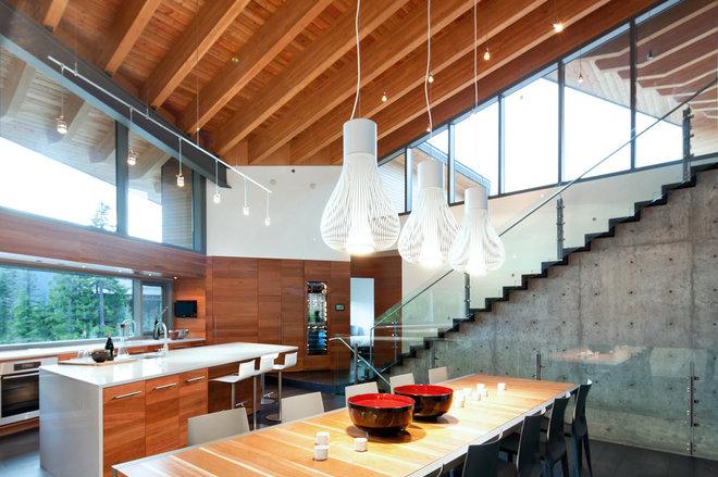 Modern Kitchen by BattersbyHowat Architects