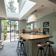 Traditional Kitchen by Chris Dyson Architects
